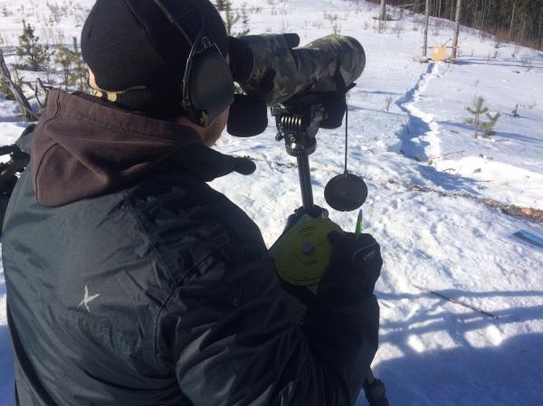 """Emil Spottar, använder helgens nyhet - """"Truemiller"""" för att snabbt och effektivt få ut avstånd till målen."""