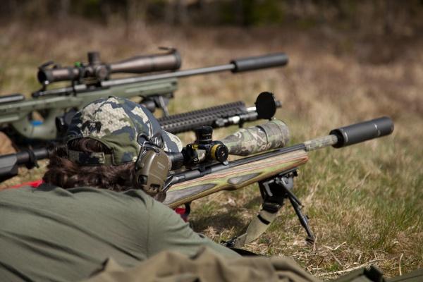 Skytte kan vara väldigt roligt, speciellt när det klingar i stålmålen på långa avstånd.